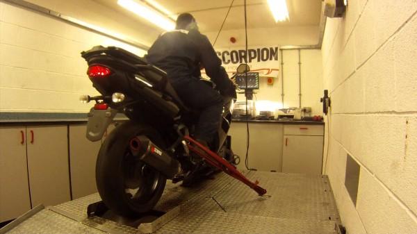 Remove Baffles from a Scorpion Serket Exhaust can  | SCORPION